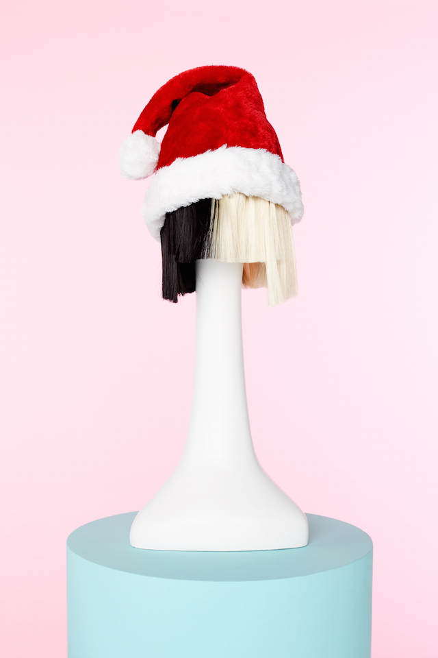 Spotify Sia Santa hat
